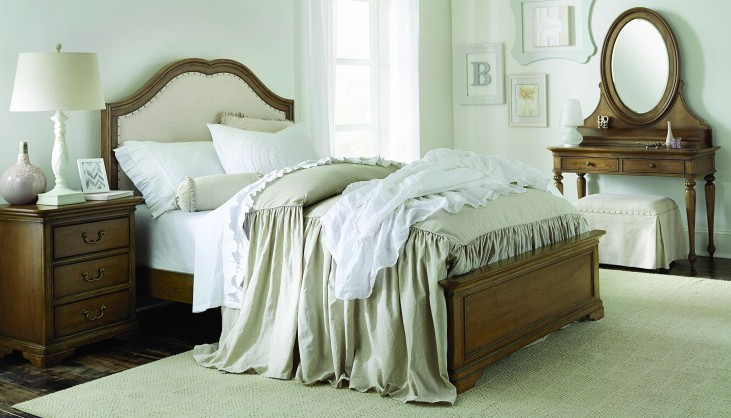 Danielle French Laundry Youth Upholstered Platform Bedroom Set