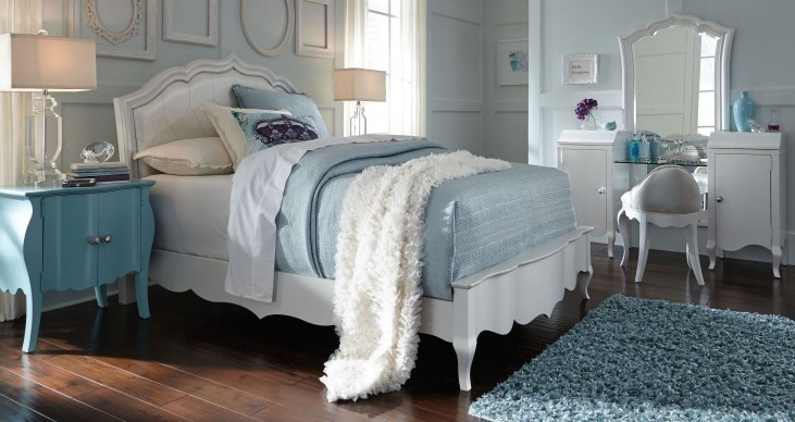 Tiffany Pearlized White Youth Upholstered Bedroom Set