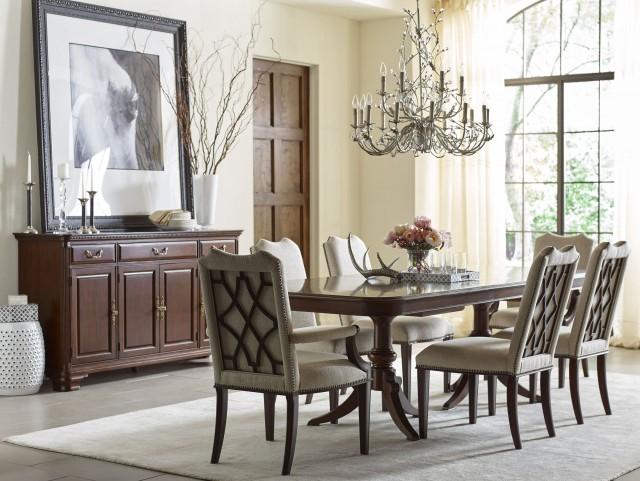Hadleigh Hadleigh Double Pedestal Extendable Dining Room Set