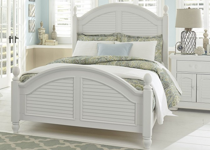 Summer House Oyster White Queen Poster Bed