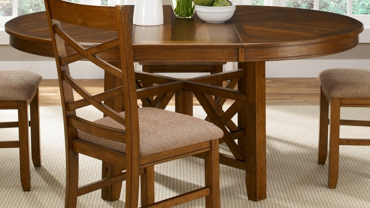 Bistro Oval Pedestal Table