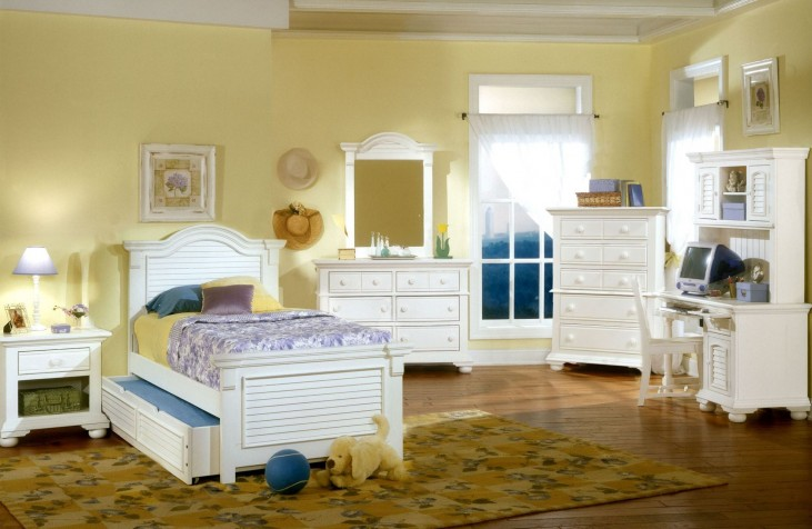Cottage Traditions White Youth Panel Bedroom Set