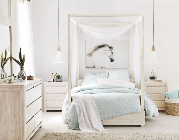 Indio by Wendy Bellissimo White Sand Youth Canopy Poster Bedroom Set