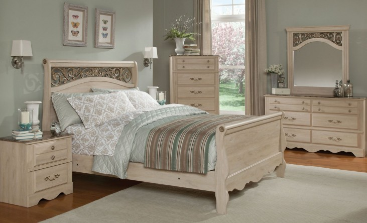 Torina Light Creamy Sleigh Bedroom Set