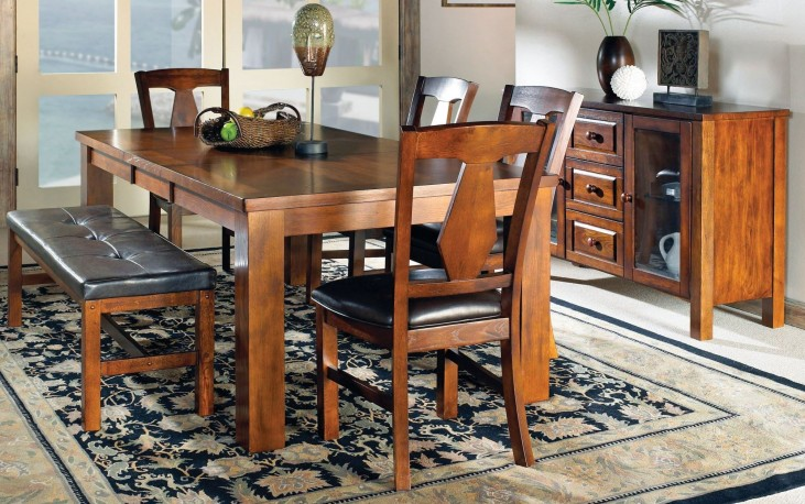Lakewood Medium Oak Extendable Rectangular Dining Room Set
