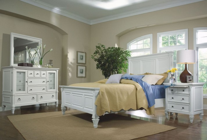 Ashby Panel Bedroom Set