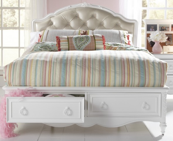 SweetHeart Full Upholstered Storage Bed