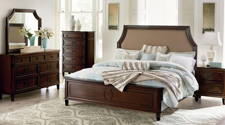 Windsor Bourbon Brown Upholstered Panel Bedroom Set