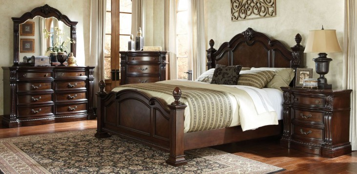 Churchill Cherry Poster Bedroom Set
