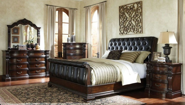 Churchill Cherry Upholstered Sleigh Bedroom Set