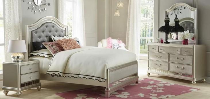 Li'l Diva Upholstered Panel Bedroom Set
