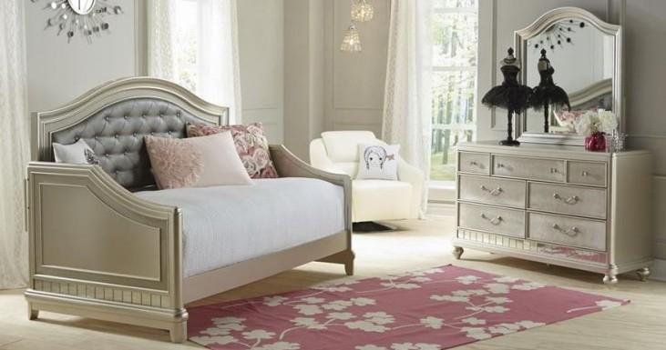 Li'l Diva Lounge Bedroom Set