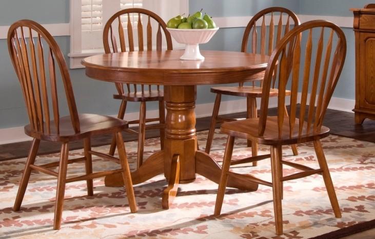 Nostalgia Round Pedestal Dining Set