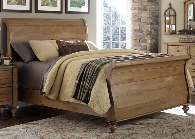 Southern Pines II King Sleigh Bed