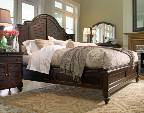 Paula Deen Home Tobacco Steel Magnolia Queen Bed