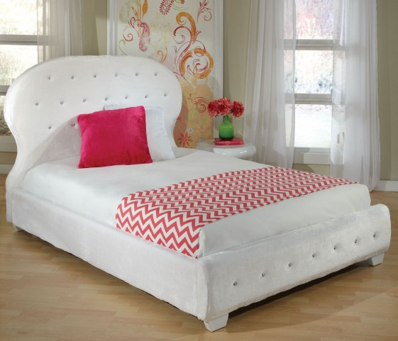 Marilyn White Youth Upholstered Bedroom Set