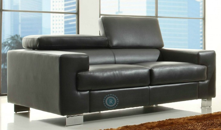 Vernon Black Loveseat
