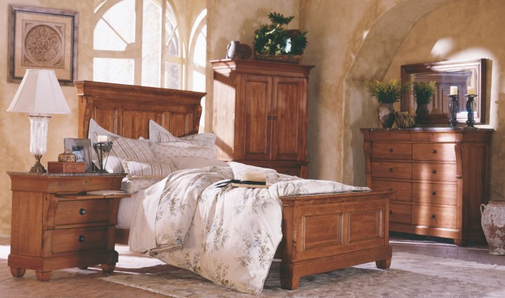 Tuscano Panel Bedroom Set