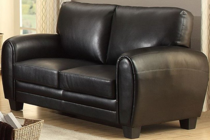 Rubin Black Loveseat