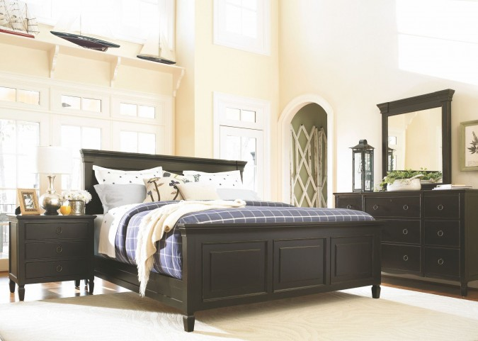 Summer Hill Midnight Panel Bedroom Set