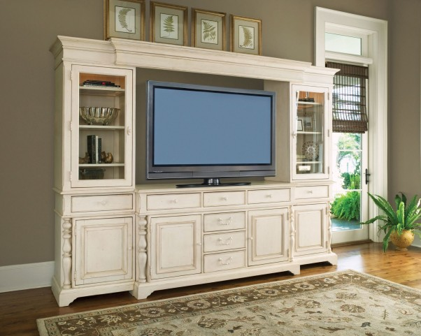 Paula Deen Home Entertainment Wall