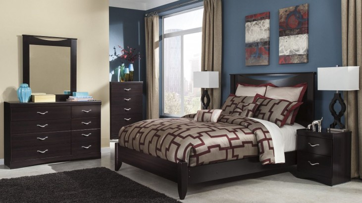 Zanbury Panel Bedroom Set