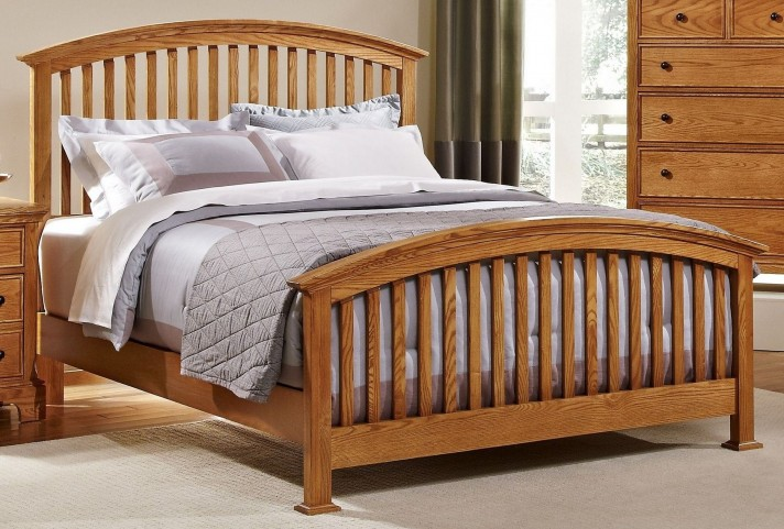 Forsyth Medium Oak Queen Arched Bed