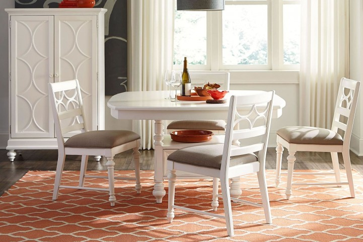 Lynn Haven Soft Dover White Round Dining Room Set