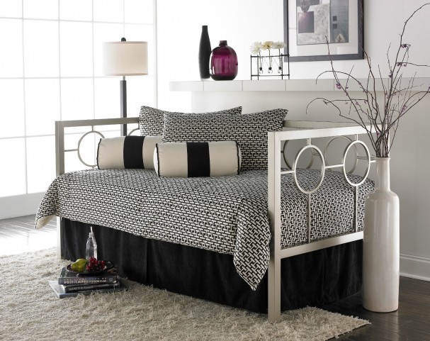Astoria Twin Size Daybed