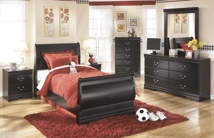Huey Vineyard Youth Bedroom Set
