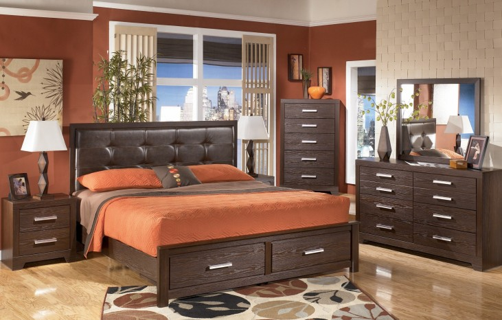 Aleydis Upholstered Platform Storage Bedroom Set