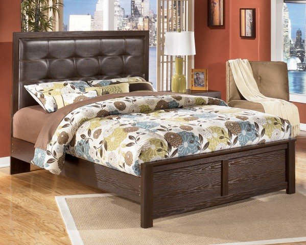 Aleydis Queen Upholstered Panel Bed