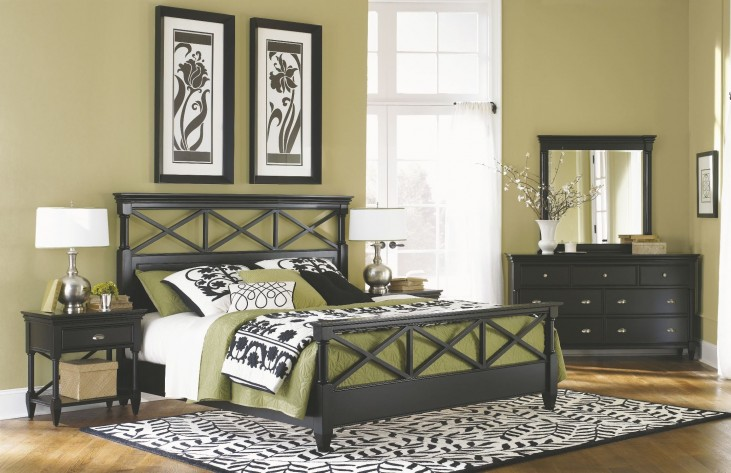 Regan Panel Bedroom Set