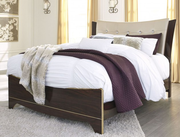 Lenmara Reddish Brown Queen Upholstered Panel Bed