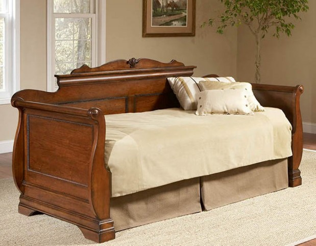 Bordeaux Twin Size Daybed