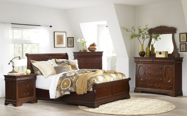 Chateau Vintage Cherry Panel Bedroom Set