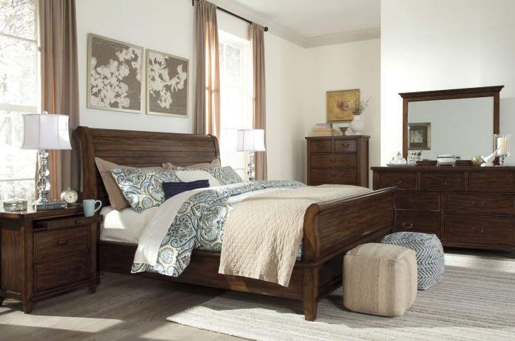 Chaddinfield Brown Sleigh Bedroom Set