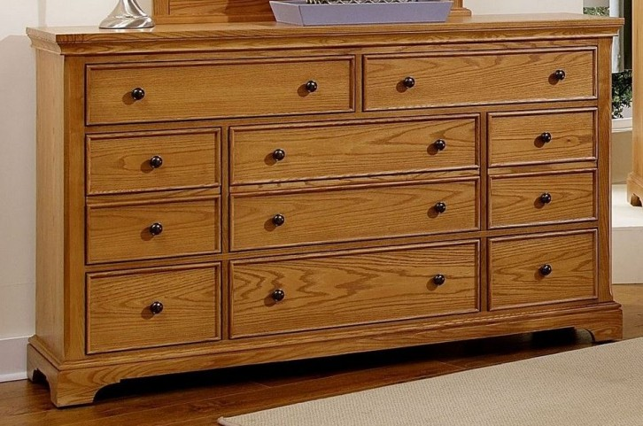 Forsyth Medium Oak 8 Drawer Dresser