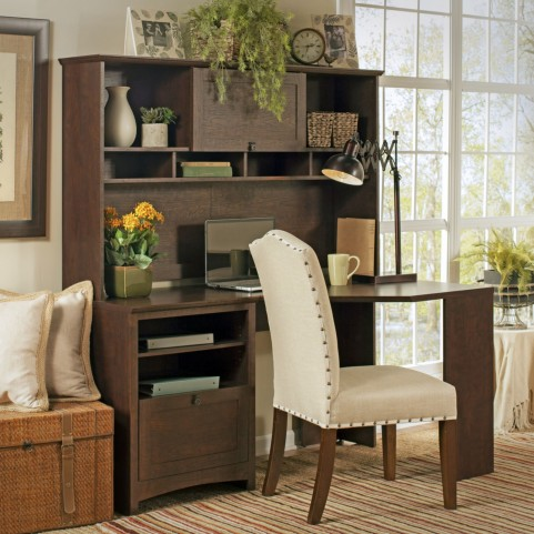 Buena Vista Madison Cherry Corner Desk With Hutch