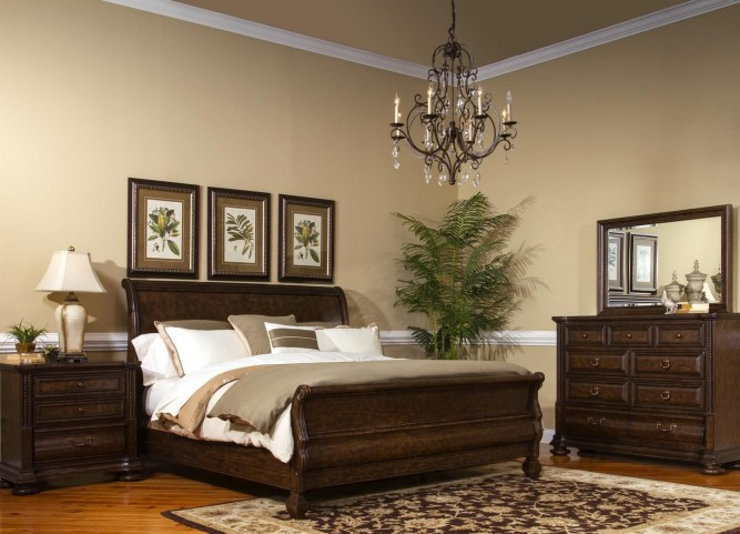 Canyon Creek Vintage Oak Sleigh Bedroom Set