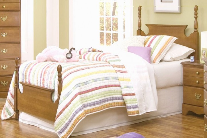 Common Sense Salem Maple Youth Panel Bedroom Set