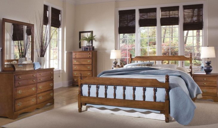 Common Sense Cherry Spindle Bedroom Set