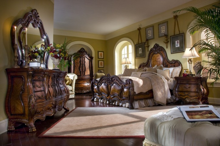 Chateau Beauvais Panel Bedroom Set