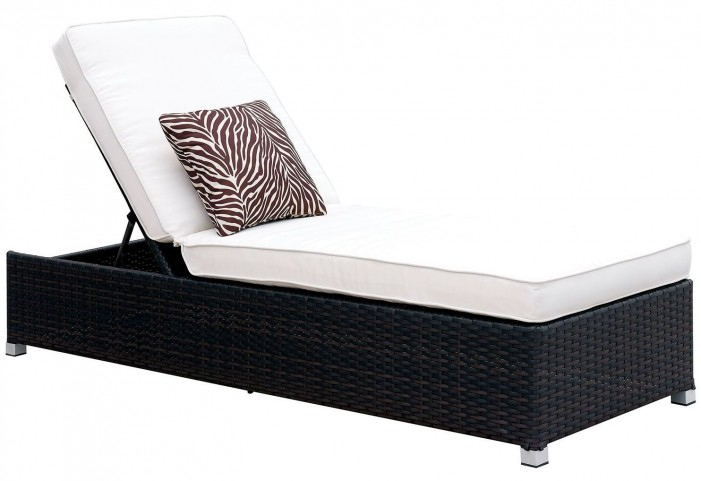 Albee II White Patio Chaise With Pillow