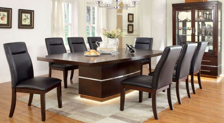 Lawrence Extendable Dining Room Set