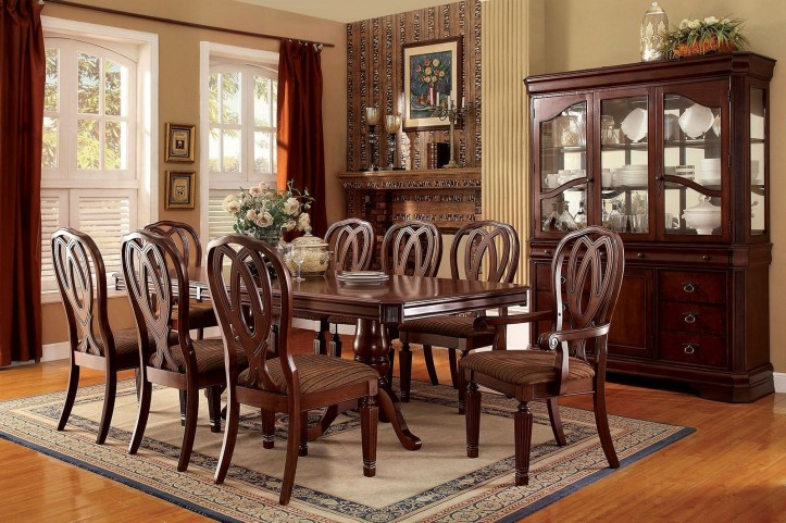 Harwinton Extendable Rectangular Dining Room Set