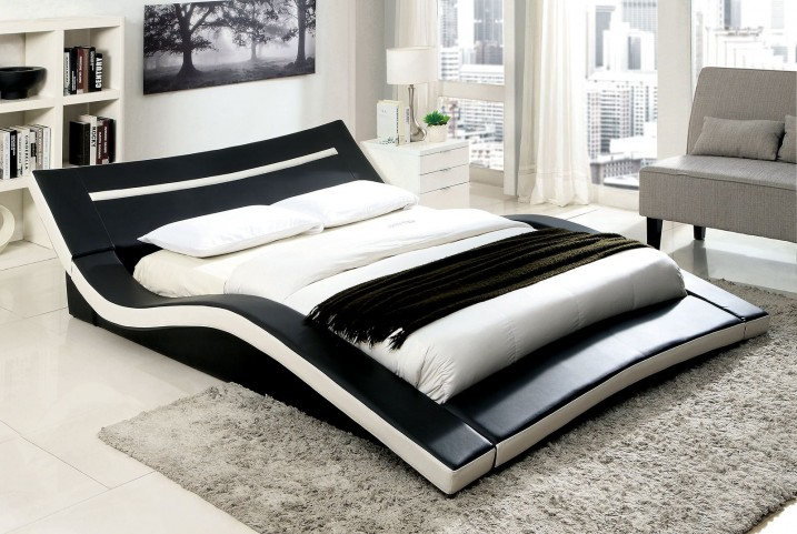 Zelina King Upholstered Bed