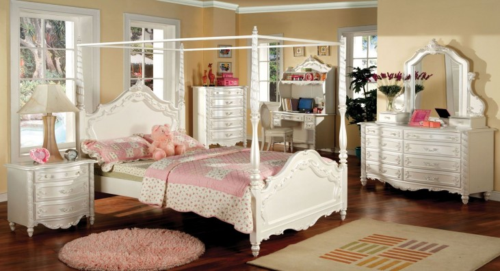 Victoria Pearl White Youth Poster Bedroom Set