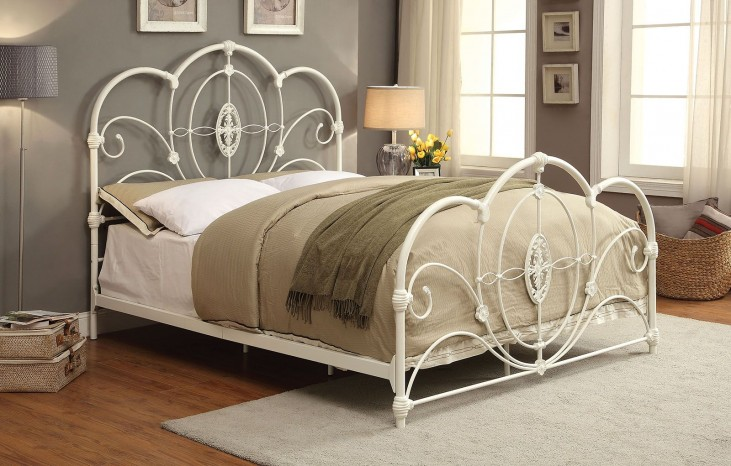 Jania Queen White Metal Bed