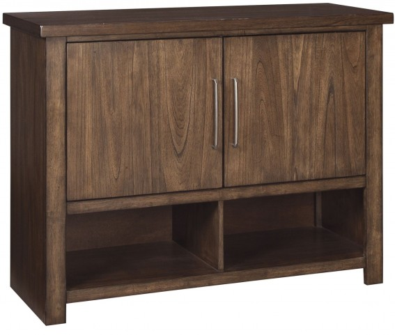 Zilmar Brown Dining Server